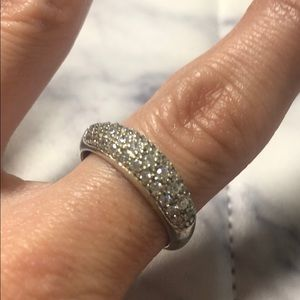 Jewelry - Sterling silver crystal ring